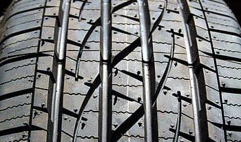 ¿Cuándo hay que cambiar los neumáticos del coche?